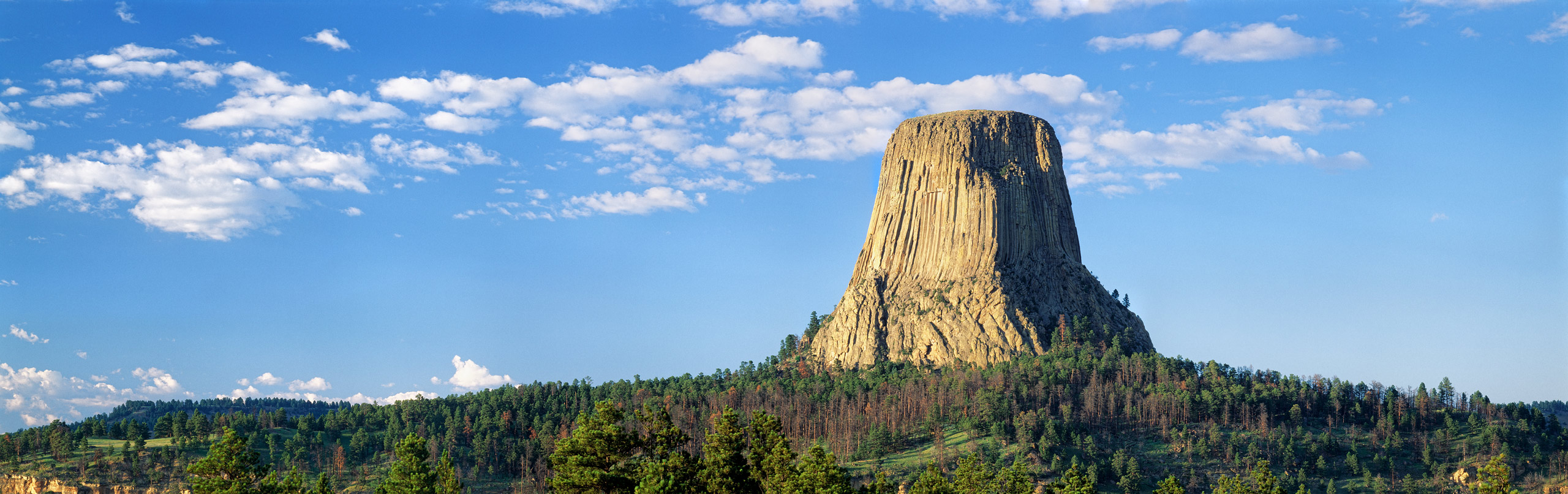 Devils Tower, Devils Tower National Monument, Wyoming, USA clouds