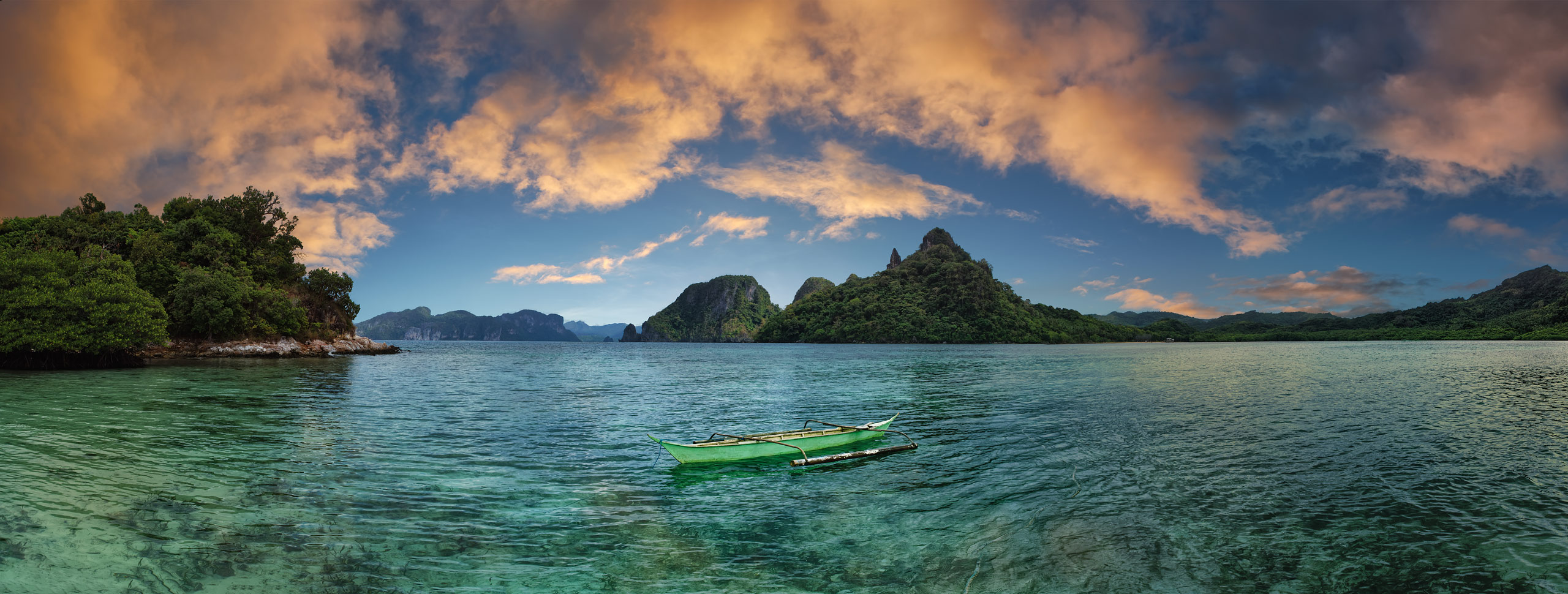 Small outrigger boat, Palawan, Philippines